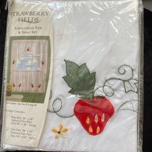 """NWT Strawberry  Tier & Swag Set Curtains 58""""x 36"""""""